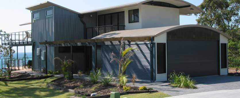 Idyllic Tangalooma Accommodation Located On Moreton Island This Modern Beach House Is Located In An Elevated Position Above Tangalooma Resort With